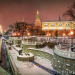 057_Rossiya_Moskva_Aleksandrovskiy_sad_Statues_of_heroes_of_Russian_fairy_tales_in_the_Alexander_Garden_near_the_Moscow_Kremlin_Foto_yulenochekk_-_Deposit