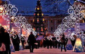 People visit Christmas fair in Alexandrovskiy Garden in St. Petersburg, December 14, 2010.